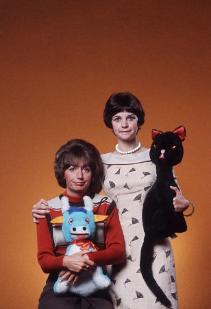 Penny Marshall and Cindy Williams and Laverne DeFazio and Shirley Feeney